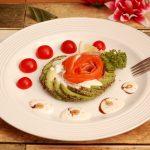 アボカドとトマトのサラダ