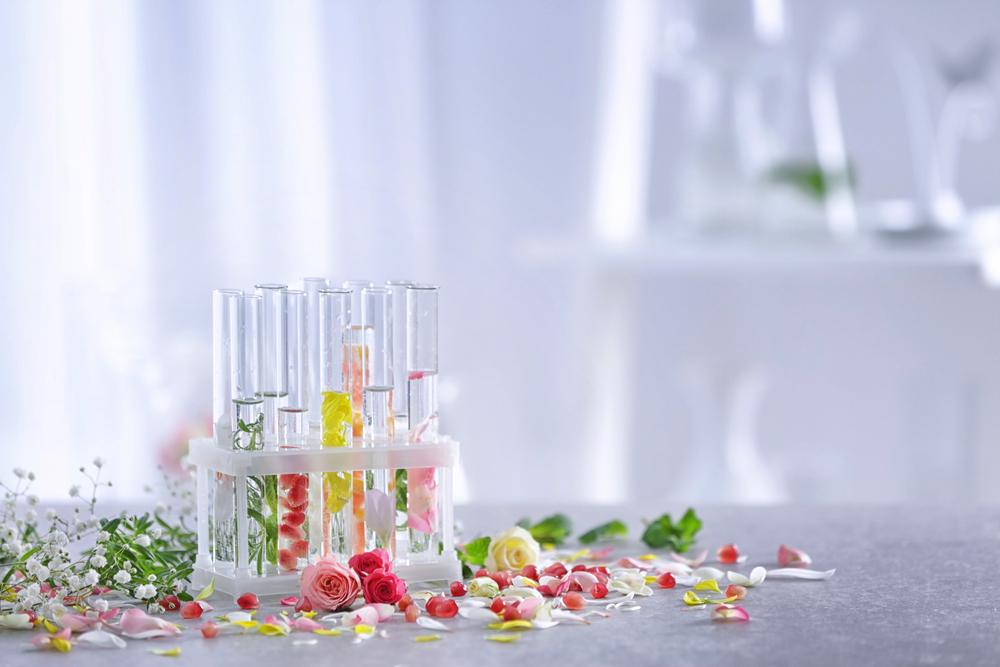 香り 香水 イメージ