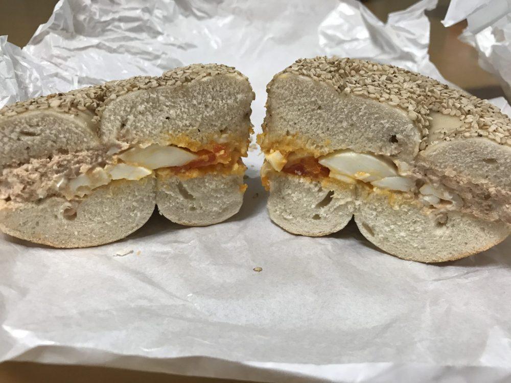 セサミベーグル エッグサラダ アップルシナモンクリチ