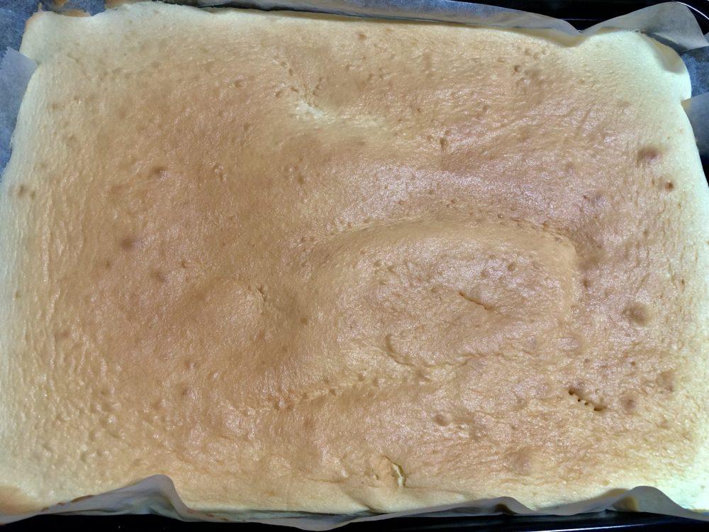 鉄板 ロールケーキ 作り方