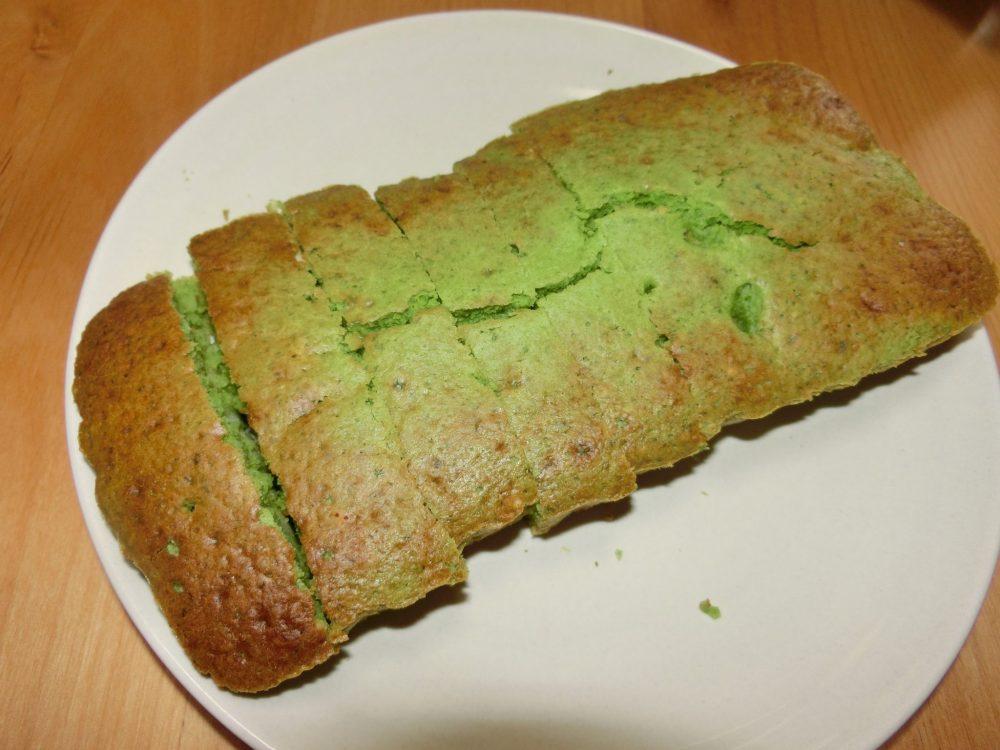 小松菜とさつまいものケーキ
