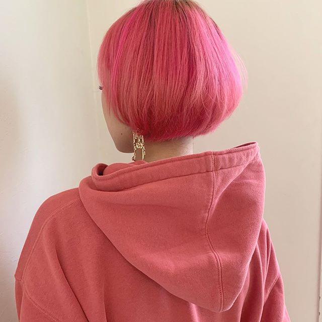 ビビッドピンク カラー