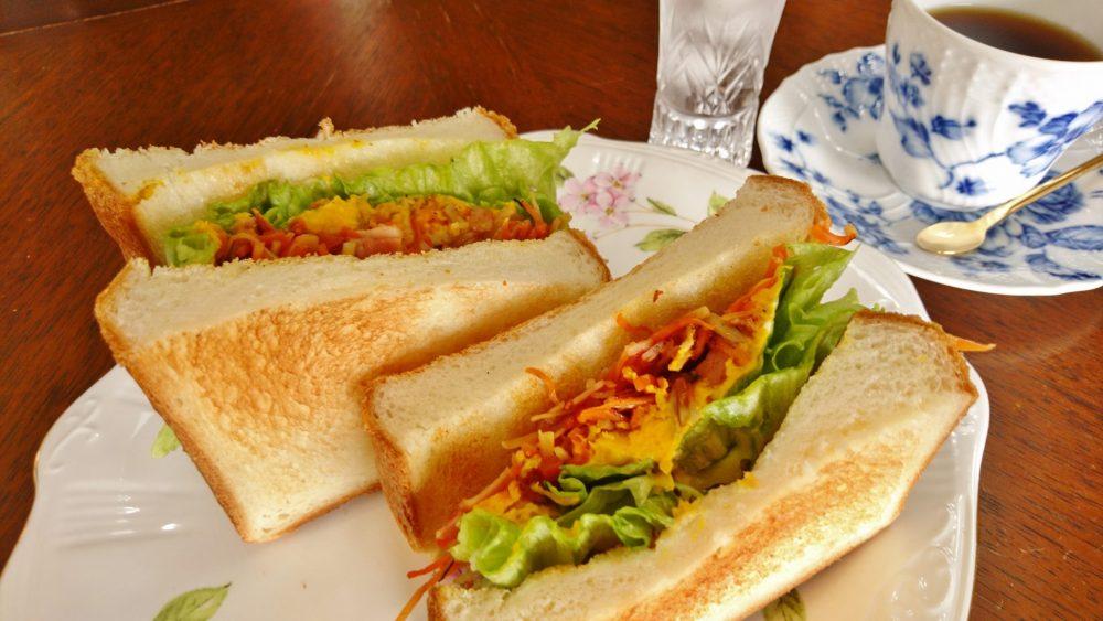 きんぴらとかぼちゃのサンドイッチ