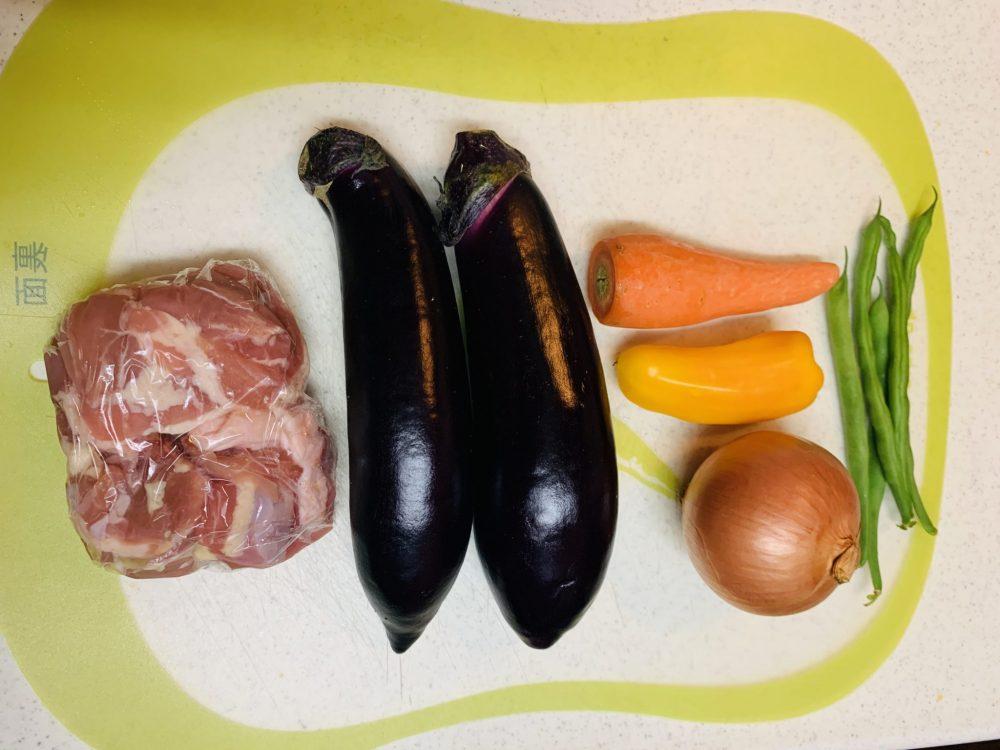 彩り野菜と揚げ鶏のさっぱり甘辛黒酢炒め 材料