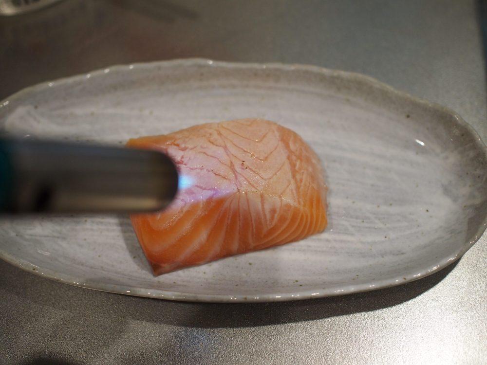 鮭の炙りしょうゆ漬け