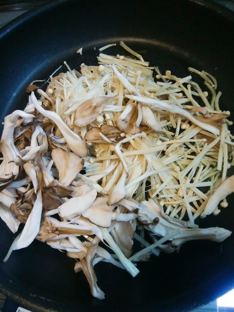 キノコ 豆腐クリーム玄米ドリア 作り方