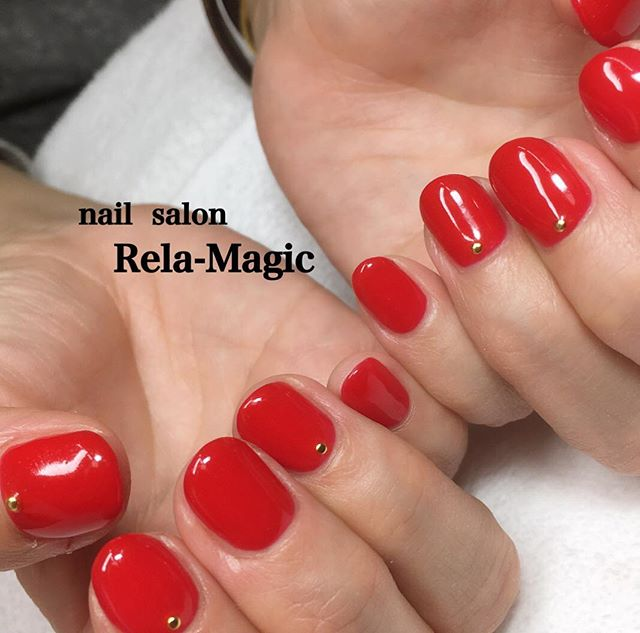ワンカラー ネイル 赤