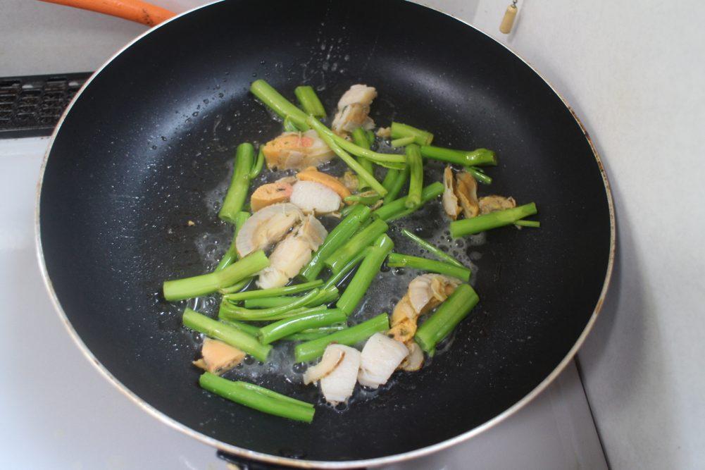 空芯菜 炒め フライパン